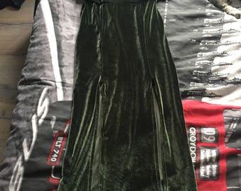 Green ruffle, 2 split dress