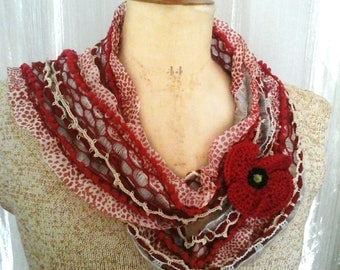 Scarf fabric poppy and crochet