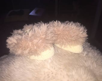 Slippers with fur beige and ecru