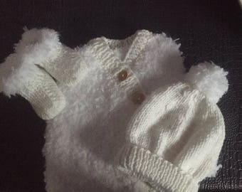 White Beanie/Bootie and vest set