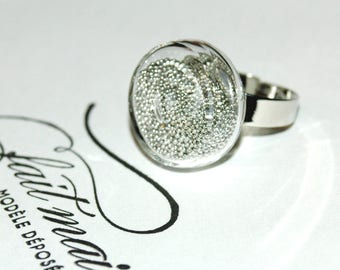 Glass bubble ring - Pearlescent pale grey Inclusion