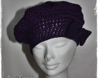 Purple beret crochet embellished with a bow Pope.
