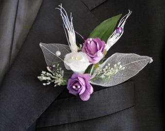 Purple and white wedding boutonniere