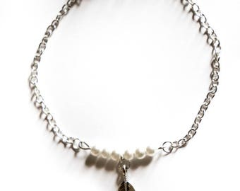 """""""Pearl & Feather Silver"""" toned bracelet"""