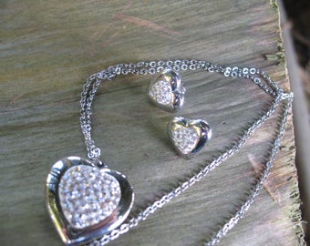 Stainless steel heart and crystals set