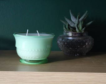Large Irish Cream Scented soy wax candle in Art Deco bowl