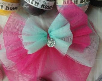Big tulle bows