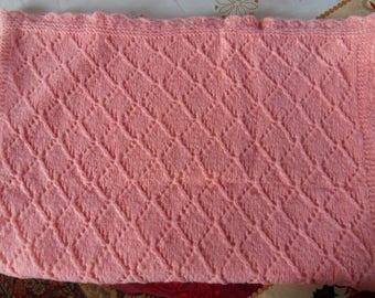 Doubled fleece blanket with diamond pattern