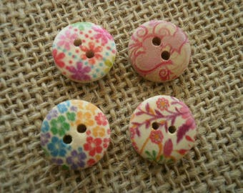 Set of 4 round two hole wooden buttons (12) painted Ecru floral motifs, 16 mm diameter