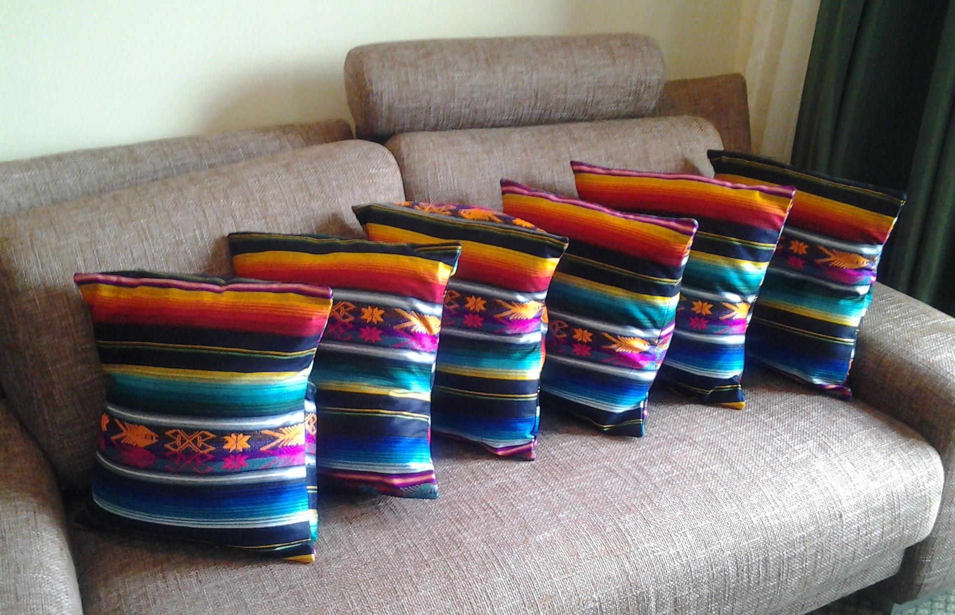 6 housses de coussins et de canap en coton sur mesure. Black Bedroom Furniture Sets. Home Design Ideas
