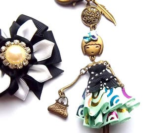 Bag articulated doll, threaded black satin, satin large jewel green clear grain multicolored pattern