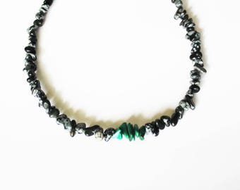 The Choker necklace with Malachite and Obsidian chips