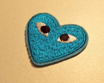 1 x badge embroidered - heart love romantic - Turquoise Blue - A stick or sew - child