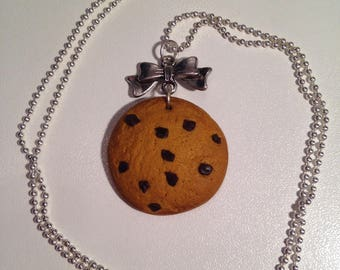 """Necklace fimo """"crunchy chocolate chip cookie"""""""