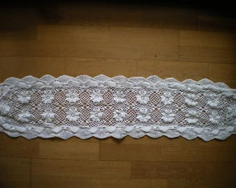 completely hand crocheted vintage table runner