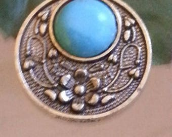 Pendants with Antique gold turquoise 30x26.5x5mm, hole: 1.5 mm