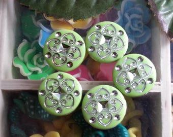 1 Pearl acrylic 15mm diameter, hole 2mm
