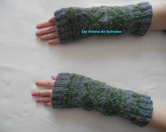Wrist warmers / fingerless gloves s bi - colored