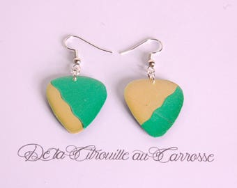 Asymmetrical, Emerald and gold earrings