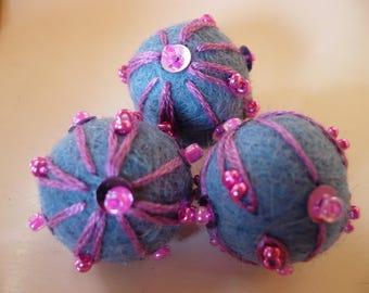 wool bead, Pearl of felted wool, wool, embroidered, blue, Pearl, Christmas ornament bead