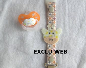 Pacifier giraffe fabric and felt in shades of beige, sold with an adapter for pacifier.
