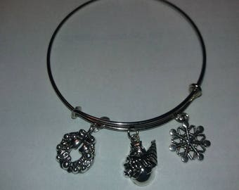 Bracelet for Christmas with three charms
