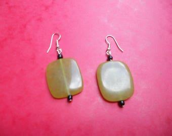 pair of Pearl rectangular earrings