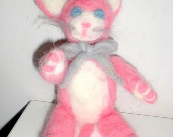 Cat pink needlefelted