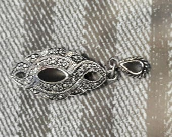 charm chabby carved silver metal 45 x 15 mm