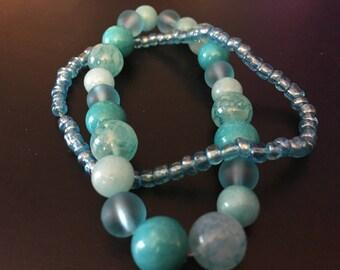 Blue glass bead stretch bracelet