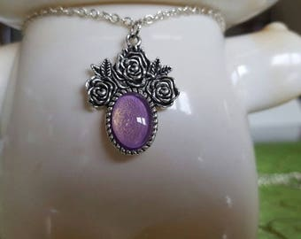 Necklace with roses