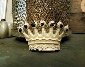 ON SALE Crown Knobs/Knobs/Cabinet Knobs-/Dresser Knobs/Drawer Pulls/Knobs/Shabby Chic/Knob/Shabby Chic Knobs/Drawer Knobs/Nursery/Pulls