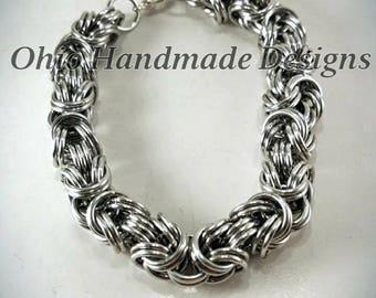 Kinged Byzantine chainmaille bracelet
