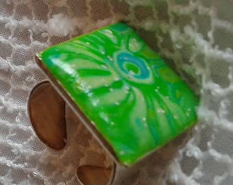Green cabochon in polymer clay ring