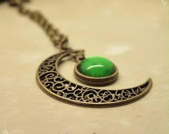 """Gealai"" Celtic green Moon glow necklace"