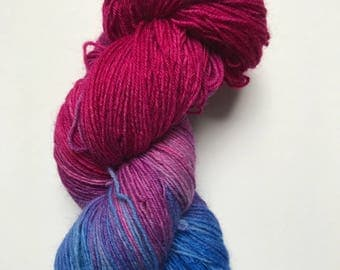 100 g hand-dyed sock yarn 4 threads, color: Blueberry Pie