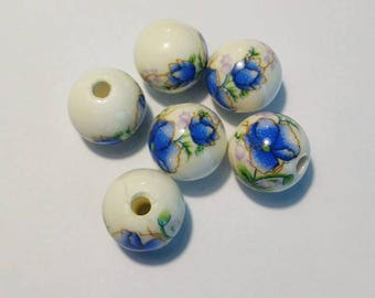 Set of 6 blue and white ceramic beads