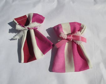 2 scent or lavender filled sachet bags