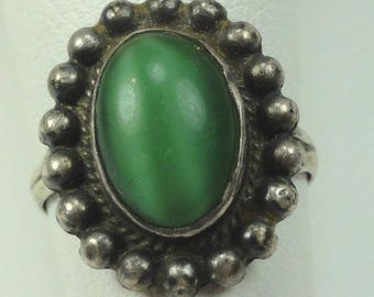 Native American Ring Sterling+Green Stone signed size:4-3/4 VTG ET6019
