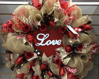 Valentines wreath, Valentines mesh wreath, Valentine's Day mesh wreath, Valentine's Day wreath, Valentine wreath, Valentine decor, Wreath