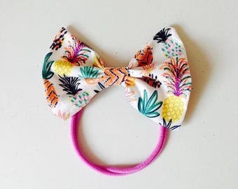 Pineapple print bow