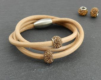 Coloured leather wrap bracelet with Strassperlen | | Magnetic closure