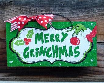 Merry Grinchmas sign.