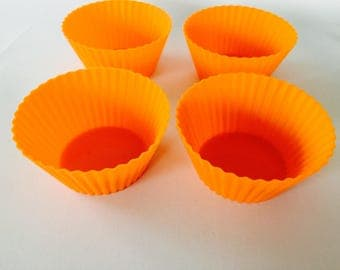 Set of 4 silicone cupcake cups