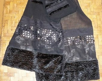 Black shawl for evening wear in wool and silk