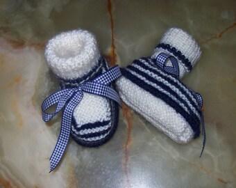 baby booties Navy cream stripes