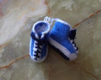 with blue laces - basketball shape baby booties