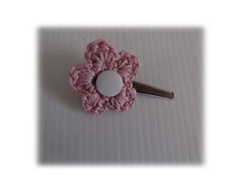VINTAGE PINK CROCHET FLOWER ALLIGATOR HAIR CLIP