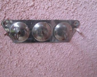 Vintage hanger, Wall hanger, Metal towel holder, Old holder for small utensils, Utensil rack holder, Holder with three hooks, Kitchen tool