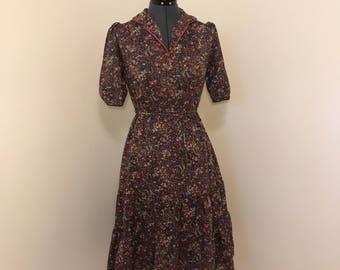 1970s vintage floral day dress